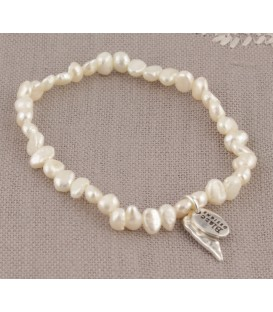 Lila Heart Bracelet in Cream Pearl